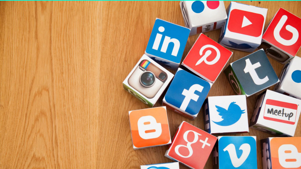 Role of social media in uplifting the Education Industry