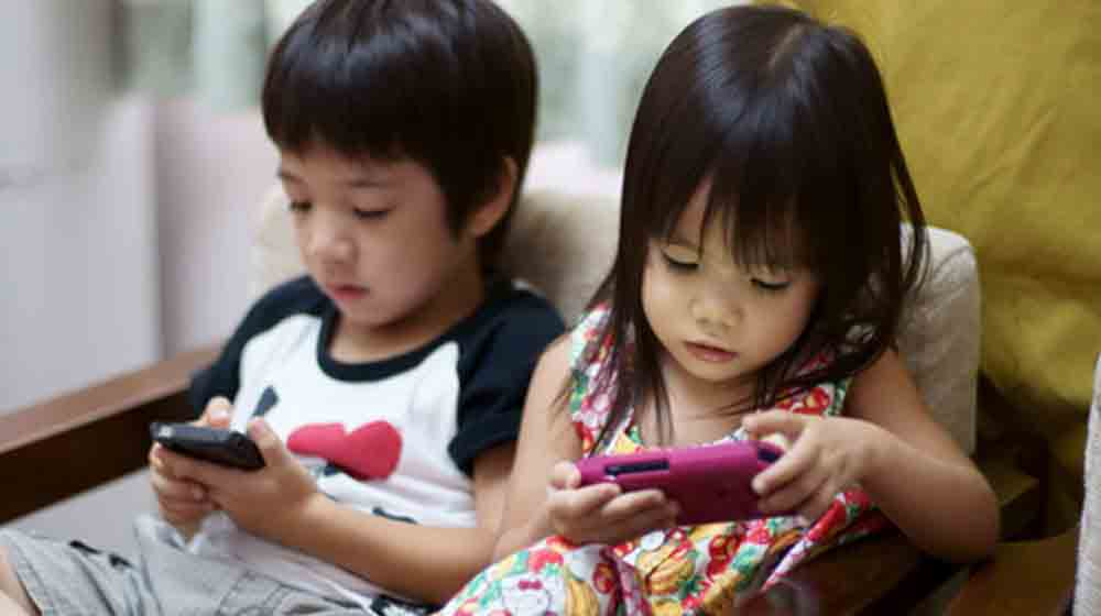 Are Technologically Driven Gadgets Pushing Toys Of