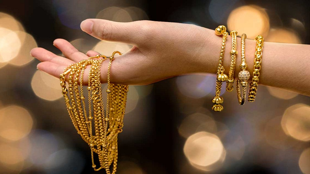 Earn Dazzling Profits in Jewellery Business