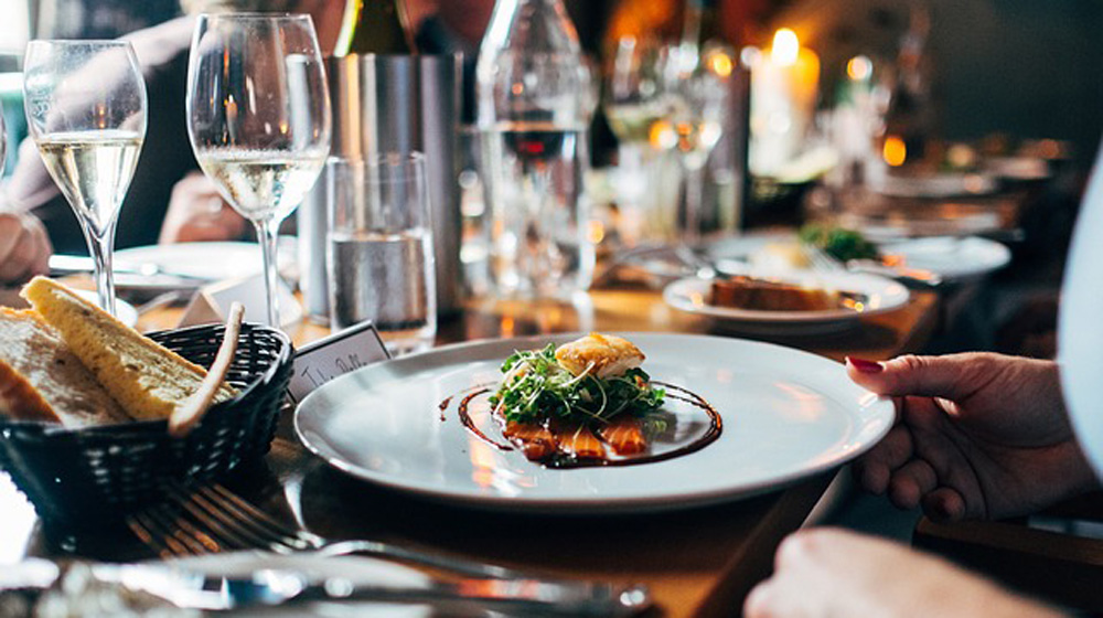 How to Build a Restaurant Brand