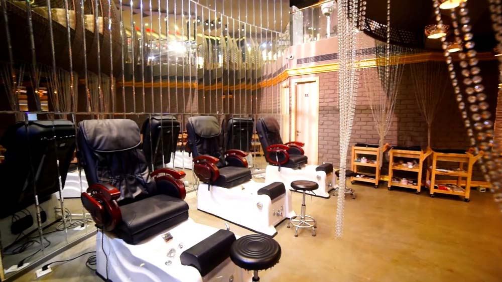Infusing Luxury with Salon Experiences