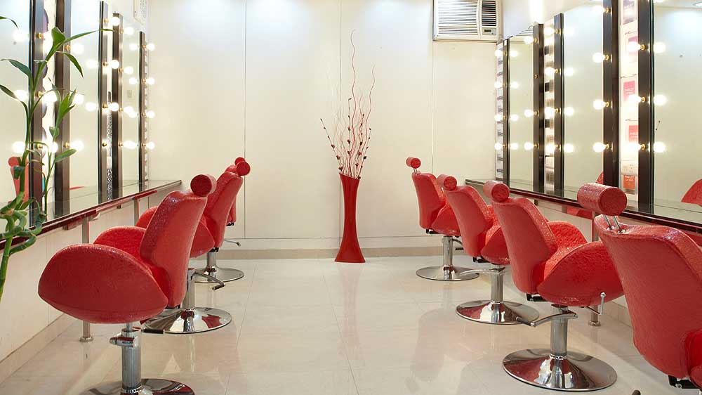 Tips for Selecting A Suitable Beauty Parlour