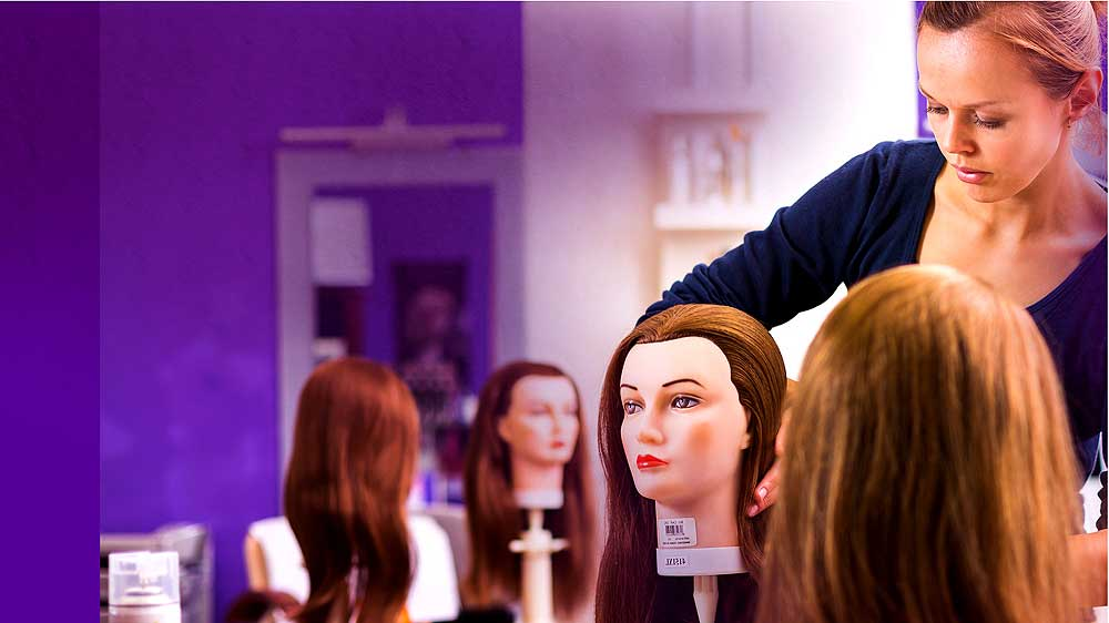 6 new ways to train salon staff to ensure customer engagement & client revisit