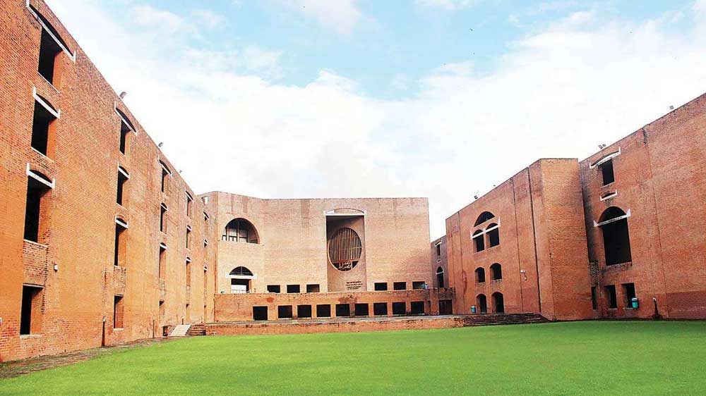 ICAI signs MoU with IIM Ahmedabad To Conduct Management Training Programmes For CAs