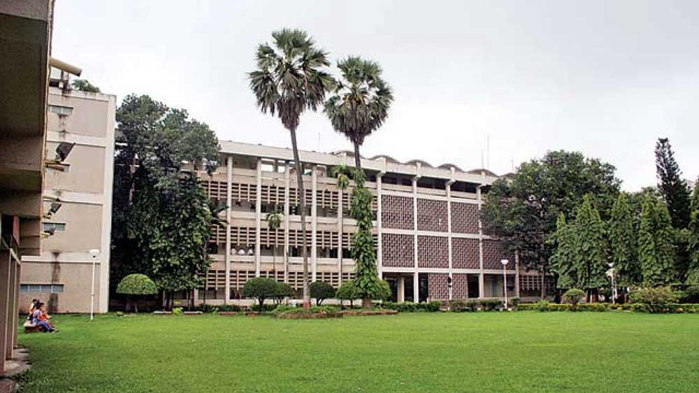 IIT-Bombay, Oil PSUs ink MoU to set up centre of excellence in oil, gas & energy