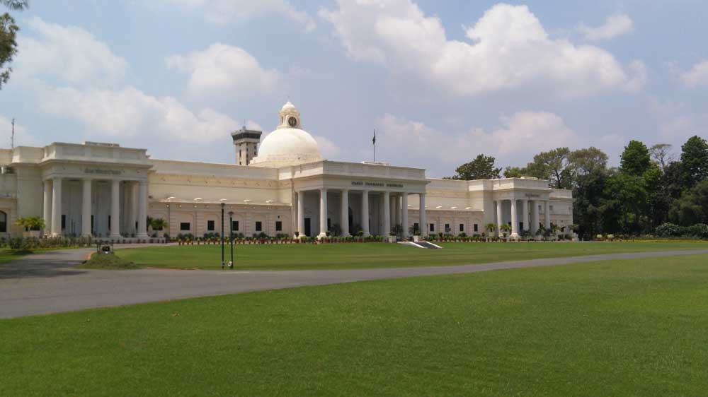 IIT Roorkee, ISRO Sign MoU to set up Space Technology Cell