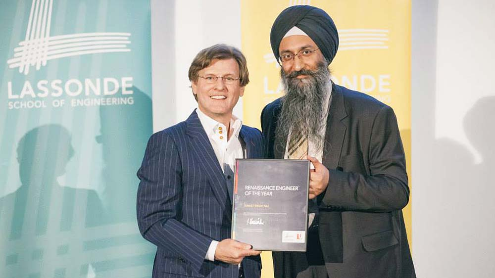 DataWind CEO receives Renaissance Engineer of the year award