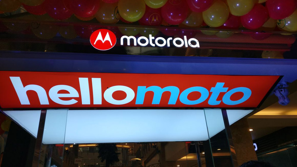 Motorola aims to set up 1,000 'Moto Hubs' by next quarter