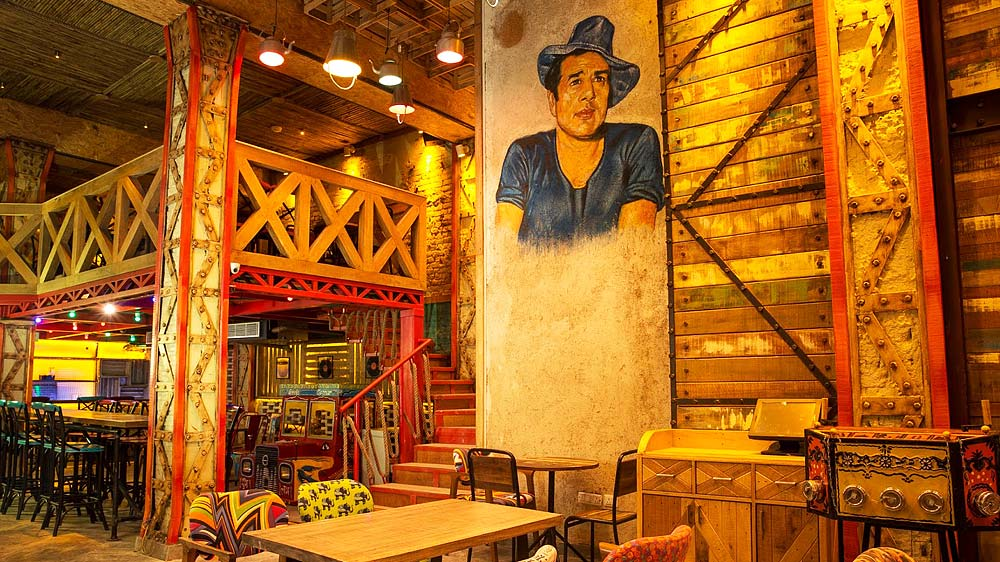 Dharmendra to open his first 'Garam Dharam' outlet