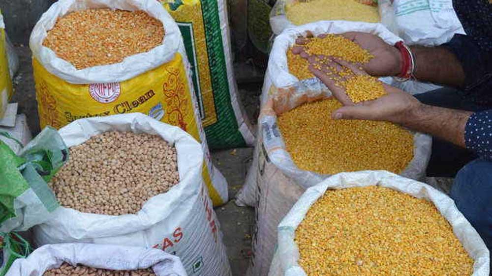 Maharashtra govt to give life sentence to food adulterers