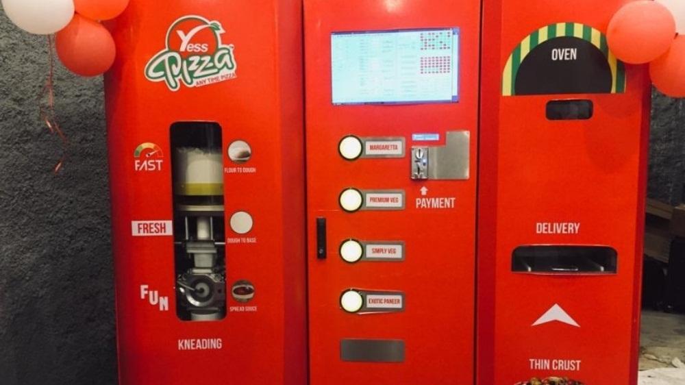 IRCTC installs Instant Pizza Vending Machine at Mumbai Central railway station