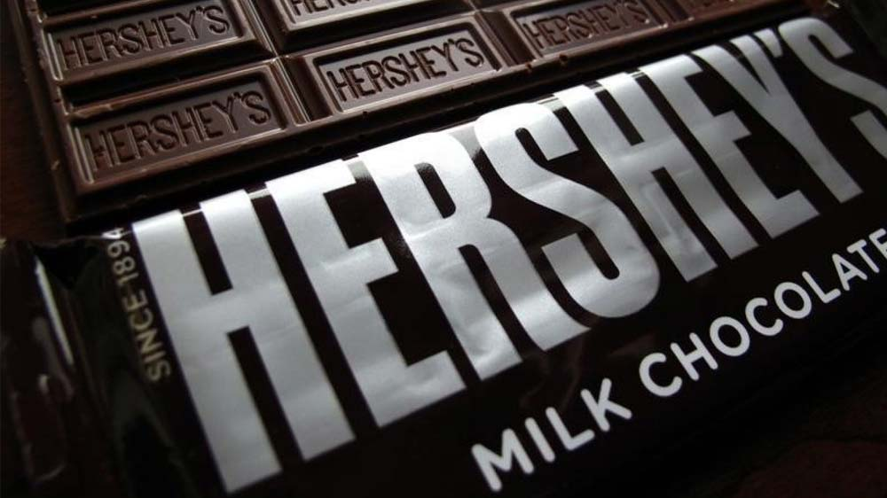 Hershey to use simpler ingredients in chocolate bars
