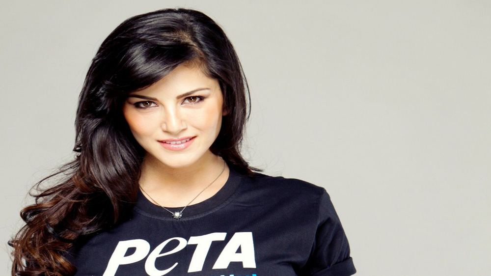 Sunny Leone to launch 'Star Struck' cosmetic range on March 15